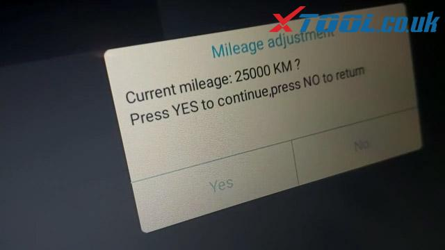 Xtool A80 H6 Jeep Wrangler Mileage Corection Via OBD 08